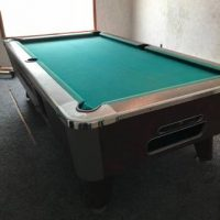 Valley- Panther coin operated pool table