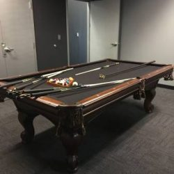 Beautiful Pool Table Excellent Condition