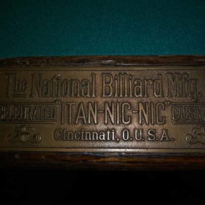 National Billard Mfg Pool Table